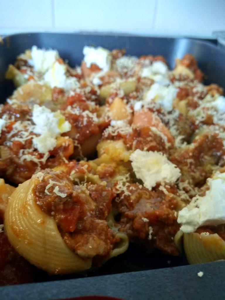 Conchiglioni pasta with ragu sauce
