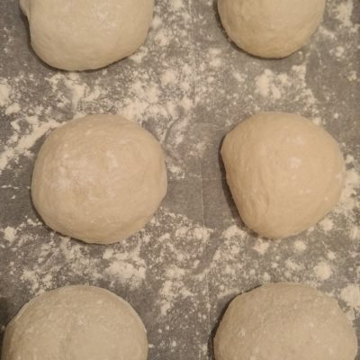 thin-crust pizza dough